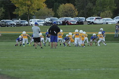 1321 (bubbaonthenet) Tags: 09292016 game stma community 4th grade youth football team 2 5 education tackle 4 blue vs 3 gold