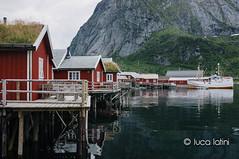 Isole Lofoten-38 (Luca Latini) Tags: landscape paesaggio viaggio travel sky cielo norway norvegia mountain montagna svolvaer reine alofoten lofoten ocean lucalatini oceano