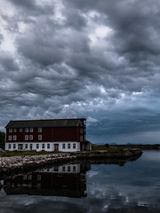 Bad weather coming (Jo Ino) Tags: clouds badweather sea redhouse