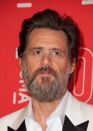 """Carrey se manifesta após ser acusado de """"facilitar"""" o suicídio da namorada"""
