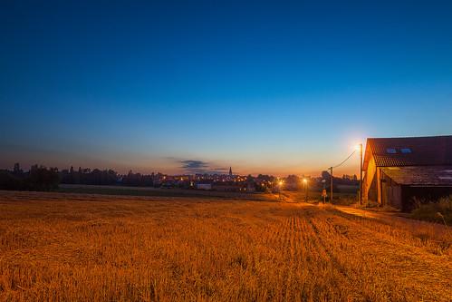 Mon village au loin la nuit :)