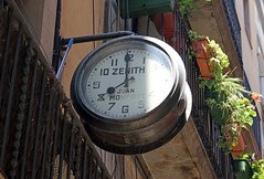 Juliol_0086 (Joanbrebo) Tags: ribera canoneos80d barcelona efs1855mmf3556isstm eosd autofocus reloj rellotge clock