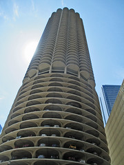 State Street 44  - Marina City (worldtravelimages.net) Tags: chicago statestreet theatredistrict 2016 worldtravelimages