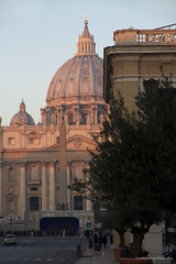 "piazza San Pietro, Natale • <a style=""font-size:0.8em;"" href=""http://www.flickr.com/photos/89679026@N00/8353491230/"" target=""_blank"">View on Flickr</a>"