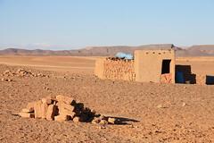 Berber Village - south Maroc (LeszekZadlo) Tags: africa trip travel naturaleza mountains building sahara nature landscape countryside village desert natureza paisaje morocco adobe maroc atlas maghreb landschaft maroko