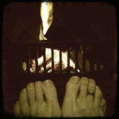 42 | Little Polly Flinders (Auntie P) Tags: selfportrait feet fire toes jane ofme auntiep float 365days littlepollyflinders hipstamatic february2013 365days2013 2013week6