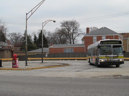 Pace Touhy/Overhill Bus Turnaround - a photo on Flickriver