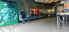 Cinerama Theater met 'allure' (JosDay) Tags: green art rotterdam mural groen entrance tiles ingang muur cinerama mozak internationalfilmfestivalrotterdam lastplakartworks