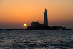 """St Mary's Lighthouse at Dawn • <a style=""""font-size:0.8em;"""" href=""""https://www.flickr.com/photos/21540187@N07/8524246690/"""" target=""""_blank"""">View on Flickr</a>"""