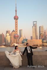 Shanghai - Wedding Couple (Rolandito.) Tags: china wedding skyline couple shoot shanghai shooting   pudong  bund