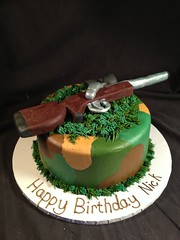 "hunting cake • <a style=""font-size:0.8em;"" href=""http://www.flickr.com/photos/60584691@N02/8546159913/"" target=""_blank"">View on Flickr</a>"