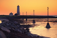 reykjavik lighthouse (Dennis_F) Tags: light sunset summer orange sun lighthouse house color beach nature water colors beautiful sunrise landscape island iceland wasser europa europe sommer natur north norden haus reykjavik pole midnight polar turm landschaft isle sonnenaufgang leuchtturm midnightsun farben vulkan vulcanic sonnenuntegang islandic mitternachssone lighthouseatbeach
