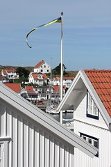 Rooftops (K Nilsen) Tags: houses homes summer facade coast wooden sweden flag roofs coastal tiles sverige flagpole bohusln grundsund skaft summerhomes