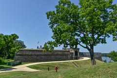 Fort-Washington-29 (vaabus) Tags: fortwashington fortwashingtonmaryland fortwashingtonpark bastion casemate cannon 24poundercannon caponniere civilwardefensesofwashington fortification