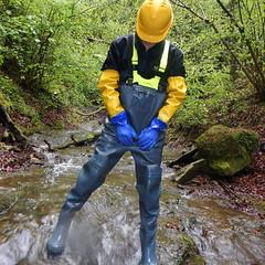 Chameau-blau-Bach5840 (Kanalgummi) Tags: rubber waders chestwaders wathose gummihose gloves gummihandschuhe bomber jacket bomberjacke bib pants latzhose sewer worker goutier kanalarbeiter