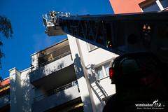 Balkonbrand Carl-von-Ossietzky-Strae 25.08.16 (Wiesbaden112.de) Tags: atemschutz balkon balkonbrand carlvonossietzky cvo feuerwehr glas sonne stadtmitte wiesbaden