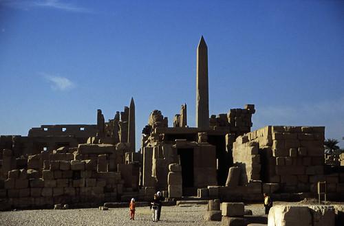 "Ägypten 1999 (308) Karnak-Tempel: Tempel des Amun-Re • <a style=""font-size:0.8em;"" href=""http://www.flickr.com/photos/69570948@N04/28799357681/"" target=""_blank"">View on Flickr</a>"