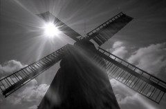 Amrumer Windmhle (sowhat63) Tags: pinhole amrum lens without lensfree sunray windmill sun ray beugung am spalt