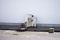 Fridge (NoCommonSense) Tags: portugal people street 201113 summer