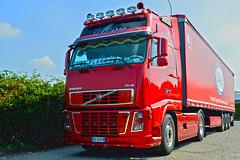 Volvo FH2 G.A.T.E (Samuele Trevisanello) Tags: volvo fh2 gate volvofh fh 2 red volvopower sweden power swedenpower italiantruck italiansrtyl italian style truck trucks truckspotting spot fotobyst truckmeeting nikon nikond d3200