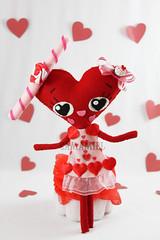 Looklove (Ana Camamiel) Tags: pink red cute rojo doll heart handmade ooak rosa felt kawaii corazón muñeca lovesongs fieltro cancionesdeamor