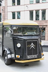 Citroen HY Van advertising Searcys Champagne Bar (Ian Press Photography) Tags: city england london st bar advertising champagne mary transport ad citroen advert axe van hy ju52 junkers searcys