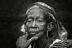 Abibatou (Ma Poupoule) Tags: africa travel portrait people bw woman blackwhite retrato femme portrt nb adventure oldwoman poule ritratti ritratto noirblanc afrique sngal vieillefemme mapoule