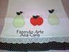 pano de prato pêra e maças 3 (Ana Carla_Fazendo Arte) Tags: flores frutas galinha cupcake patchwork cozinha