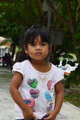 (idilucb) Tags: thailand asia child expression thalande expressive enfants enfant regard kophiphi asiankid asiankids thaigirl thailandais expressif enfantasiatique