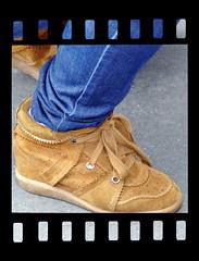 Fashion week Paris 2013 (normandie2005_horst Moi_et_le_monde) Tags: street winter paris fall fashion shoe shoes shot hoteldeville style zapatos footwear week streetphoto schuhe schoenen catwalk scarpe chaussures schuh sapatos chaussure  obuwie streetphotografie  obuv  kingad kurpes strasenfotografie