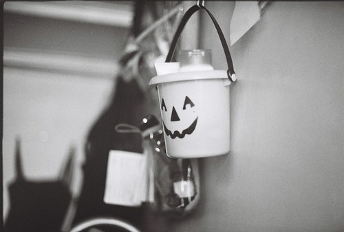 happy pumpkin bucket