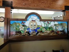Mr Dumpty (hindt3d) Tags: glass grass breakfast lunch stained valley dining humpty dumpty