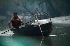 Pcheur dans les Sundarbans, fisherman in Sundarbans, Bangladesh (Philippe Guy) (guy philippe) Tags: river landscape fisherman asia eau rivire asie paysage pcheur bangladesh sundarbans canon5dmarkii philippeguy