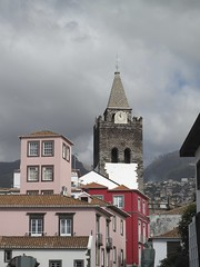 Cathedral and hills behind Funchal, Madeira (Charlie Phillips) Tags: portugal island atlantic madeira funchal iberia