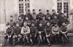 Ecole militaire d'artillerie, printemps 1940 (laguerredemongrandpere@yahoo.fr) Tags: 2 bw france french army photo frankreich war wwii krieg ii ww2 ww laguerredemongrandpere
