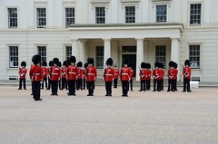 Img279009nx2__conv (veryamateurish) Tags: london army military british guards grenadierguards footguards householddivision changingtheguard wellingtonbarracks guardmounting