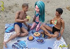 367. Picnic 2 (OylOul) Tags: 16 action figure hottoys monster high doll create cam custom