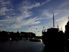 IMG_20160813_192509 (photohwilliams) Tags: bristol balloon harbour boat ship cloud