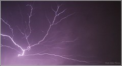 ...quando la natura si scatena. (Stefano Flammia) Tags: fulmini clair lightning violet purple