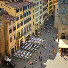 Lunchtime at the Piazza della Signoria in Florence (Bn) Tags: santa old city pink blue summer sky people italy holiday green tower heritage church caf architecture del walking florence topf50 italia catholic exterior cathedral bell roman top maria basilica centre gothic wide restaurants palace shades tourist historic unesco campanile campana tuscany dome di firenze panels marble piazza duomo visitors della visiting viewpoint fiore palazzo complex breathtaking attraction largest itali vecchio signoria 50faves florenza florenti