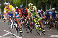 Tras el lider (AgusValenz) Tags: bike bicycle yellow canon team kino italia dof bicicleta amarillo loteria 7d ciclismo vuelta peloton equipo ef70200mm lote sancristbal tchira agusvalenzphoto yovangsrojas
