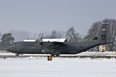 Lockheed C130J HErcules 06-8612,RS 37th AS, 86th AW (urkyurky) Tags: snow suffolk snowing coldweather fatalbert unitedstatesairforce lakenheath c130j ramstein usafe raflakenheath 37thairliftsquadron 86thairliftwing unitedstatesairforceseurope lockheedmartinc130jhercules