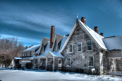 Glimmerstone Mansion (jblock!) Tags: snow vermont country bedandbreakfast blizzard hdr inns