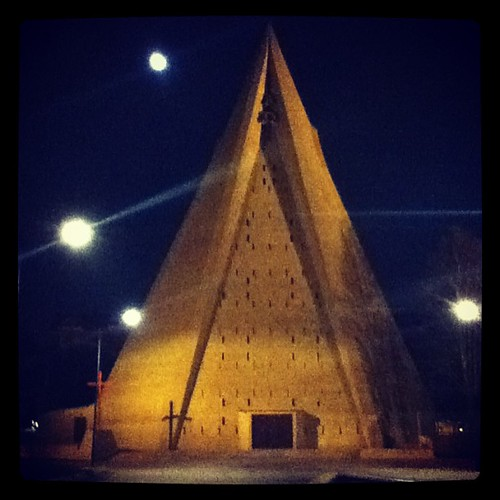 #comeback #milan #southmilan #barona #stars #moon #lights #church #night #walkalone #thinking #instaphoto #pyramid