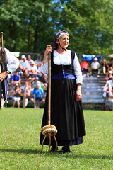 Costume traditionnel barnais (www.pyrenees-bearnaises.com) Tags: traditions fte march fromage stands chants transhumance bergers danses machinesagricoles produitslocaux concoursdechiensdebergers pyrnesbarnaises ftedesbergers chiensdebergers