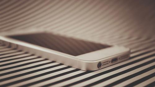【iPhone】ガラス保護フィルムでもキズが入ることがあると判った件について