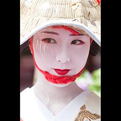 (Masahiro Makino) Tags: festival japan photoshop canon eos kyoto kiss maiko adobe   tamron 90mm f28 lightroom x3 makino gionmatsuri  hanagasajunko  gionkobu    hanagasaflowerhatprocession 20120724100215canoneoskissx3ls640p