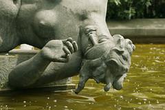 Sweet Brussels (Natali Antonovich) Tags: brussels portrait sculpture water belgium belgique belgie sweetbrussels