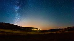 Noche de deseos (Giacomo della Sera) Tags: landscape paisaje sky cielo via lactea milky way azul blue pueblo town espaa guadalajara europe spain noche night naranja orange estrellas stars