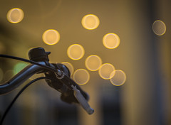I want to ride my Bicycle (*Capture the Moment*) Tags: 2016 bicycle bokeh bubbles dof fahrrad fotowalk lampen lamps lichter lights meyergrlitztrioplan10028 munich mnchen sonya7ii